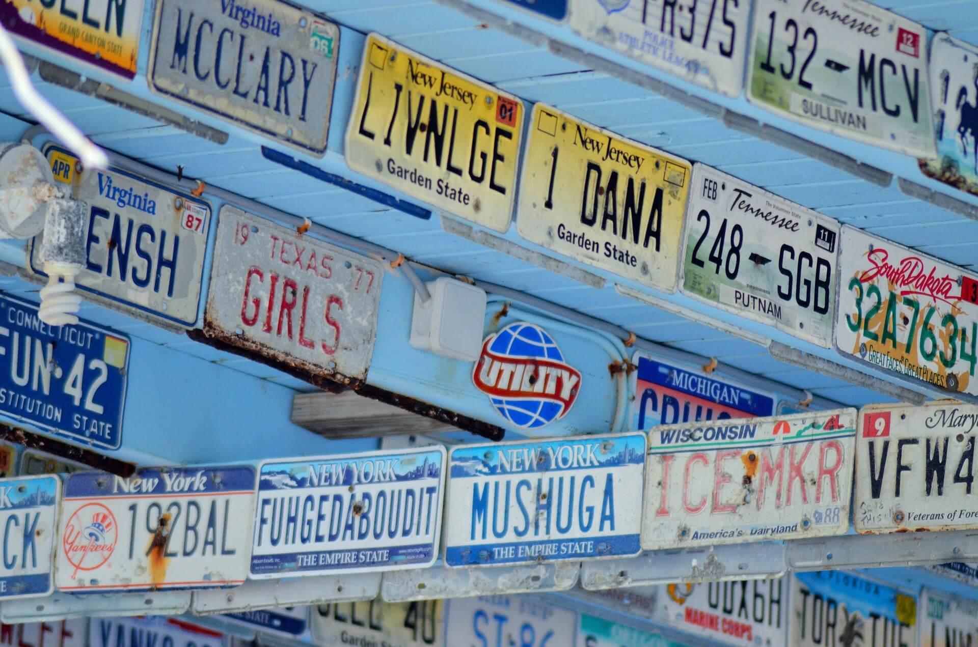 registration-plates-1388915_1920