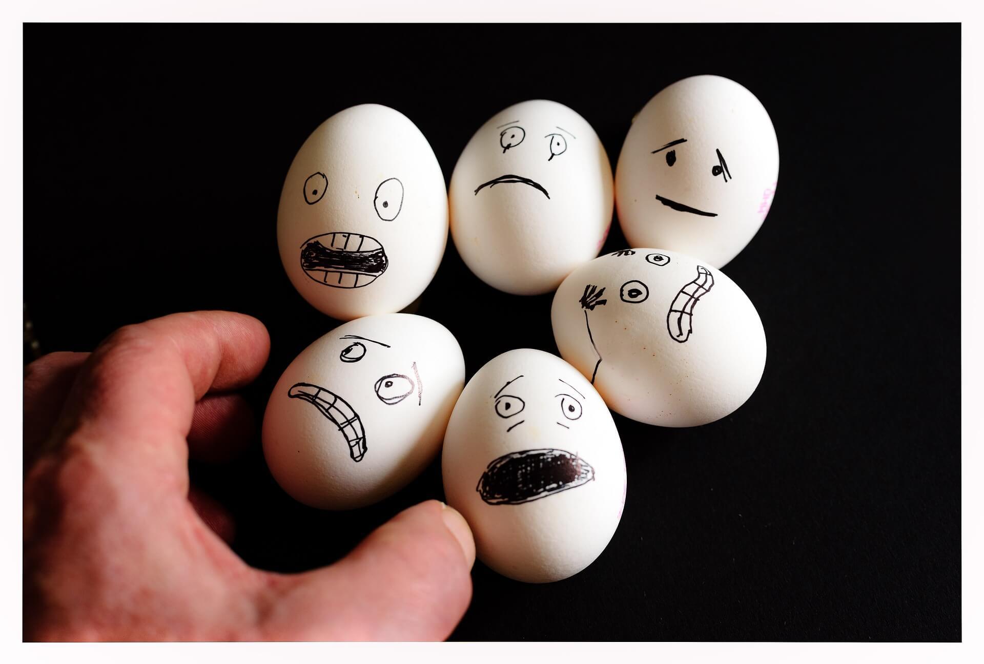 scared-eggs-2939061_1920